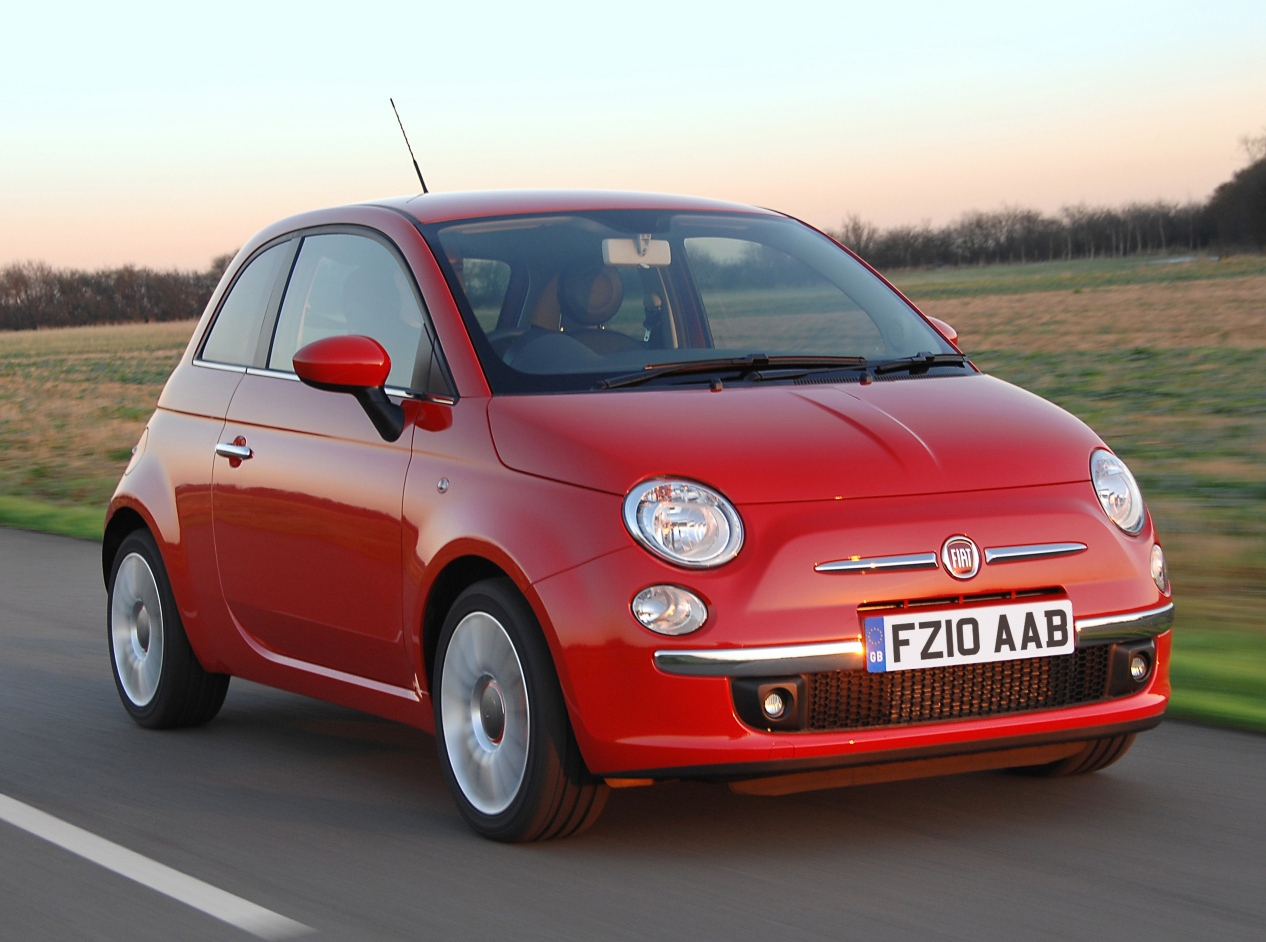 fiat 500 driving to the future. Black Bedroom Furniture Sets. Home Design Ideas