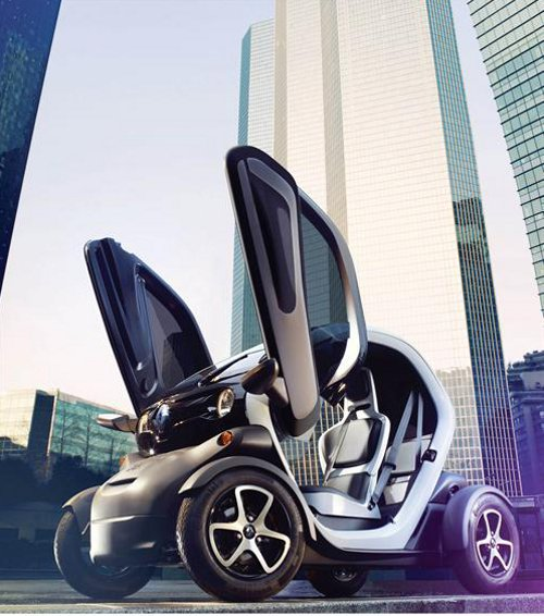renault twizy driving to the future. Black Bedroom Furniture Sets. Home Design Ideas