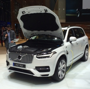 volvo xc90 small